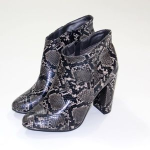 Shoes - ❣️ Snake Skin bootie